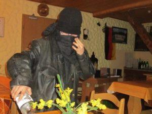Krimilesung in der Hausbar