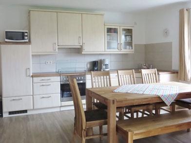 Haus 1 Essbereich mit Küche