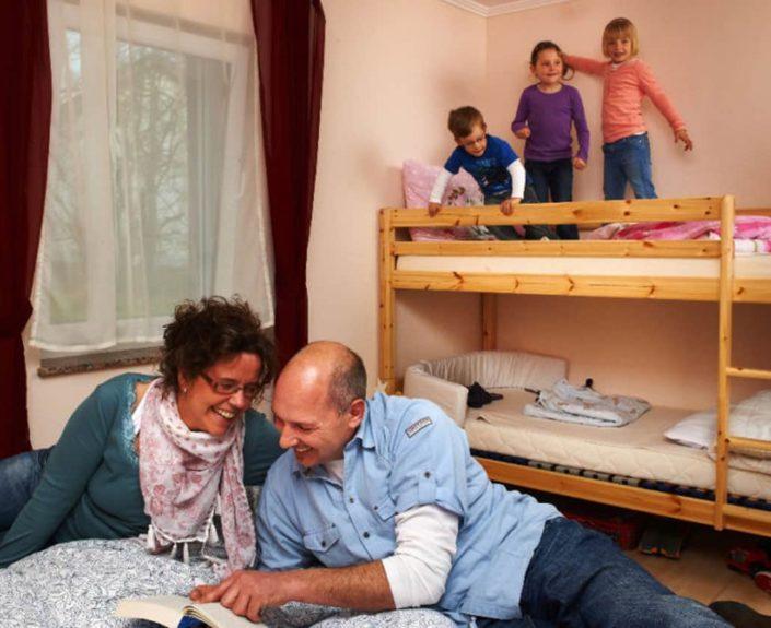 4 Bett-Zimmer der Wohnungen Hedwig und Hubert
