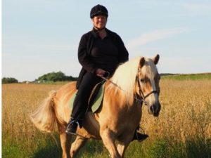 Ausritt einer Reiterin