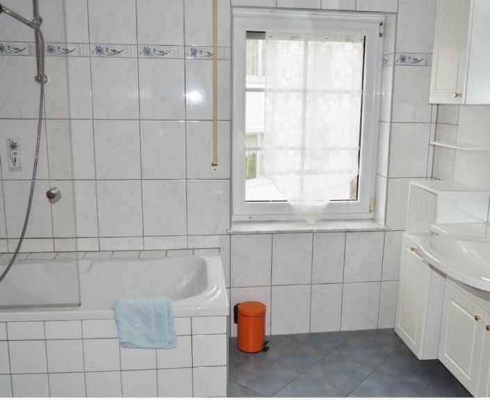 Badewanne im Badezimmer Ferienhaus Wiesengrund