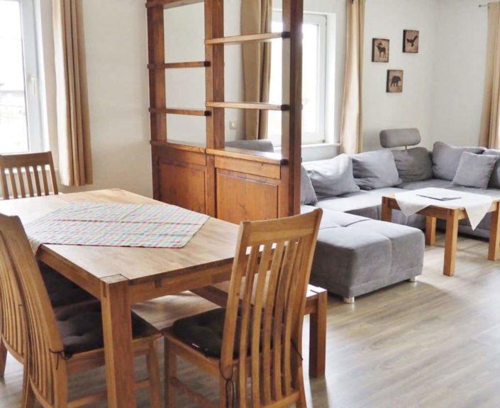 Ess- und Wohnbereich im Haus 1